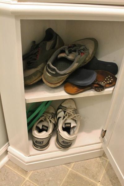 corner cabinet 001